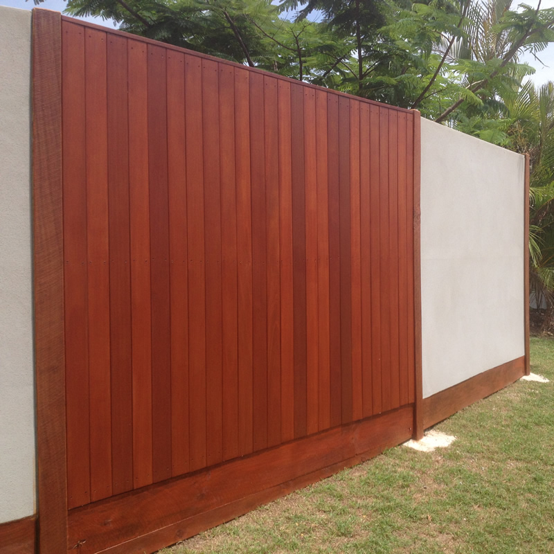 Timber feature panels in fencing